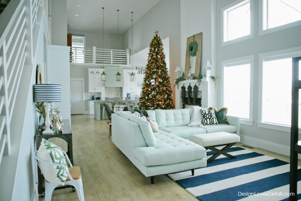 Unique Christmas and holiday home decorating ideas on a budget!