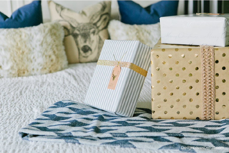 Unique Christmas gift wrap ideas for the holidays that are simple and cost-effective!