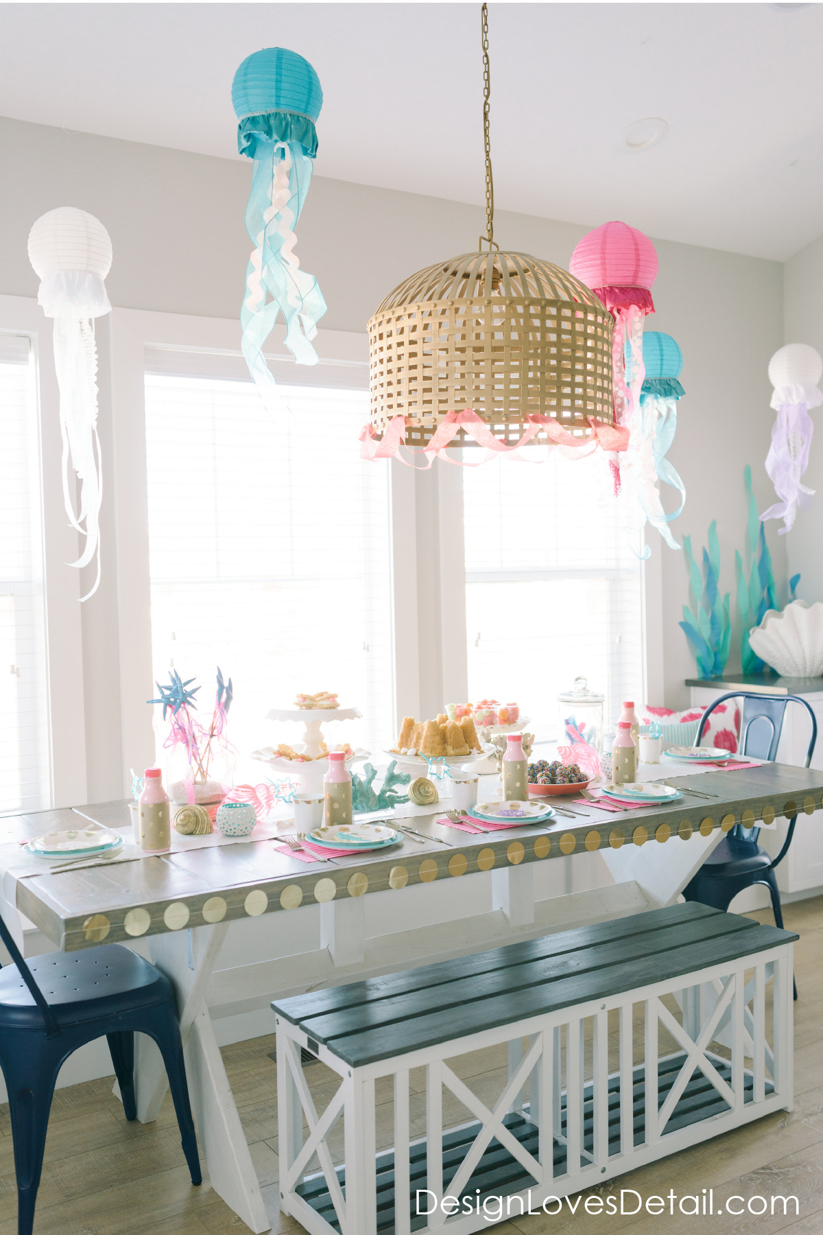 Design Loves Detail does the most amazing parties! I'm obsessed with this Mermaid theme and those cute Jellyfish Chinese Lanterns! Such a great DIY!