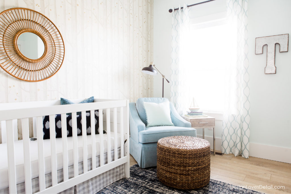 Cute little reading corner. Love this nursery space!