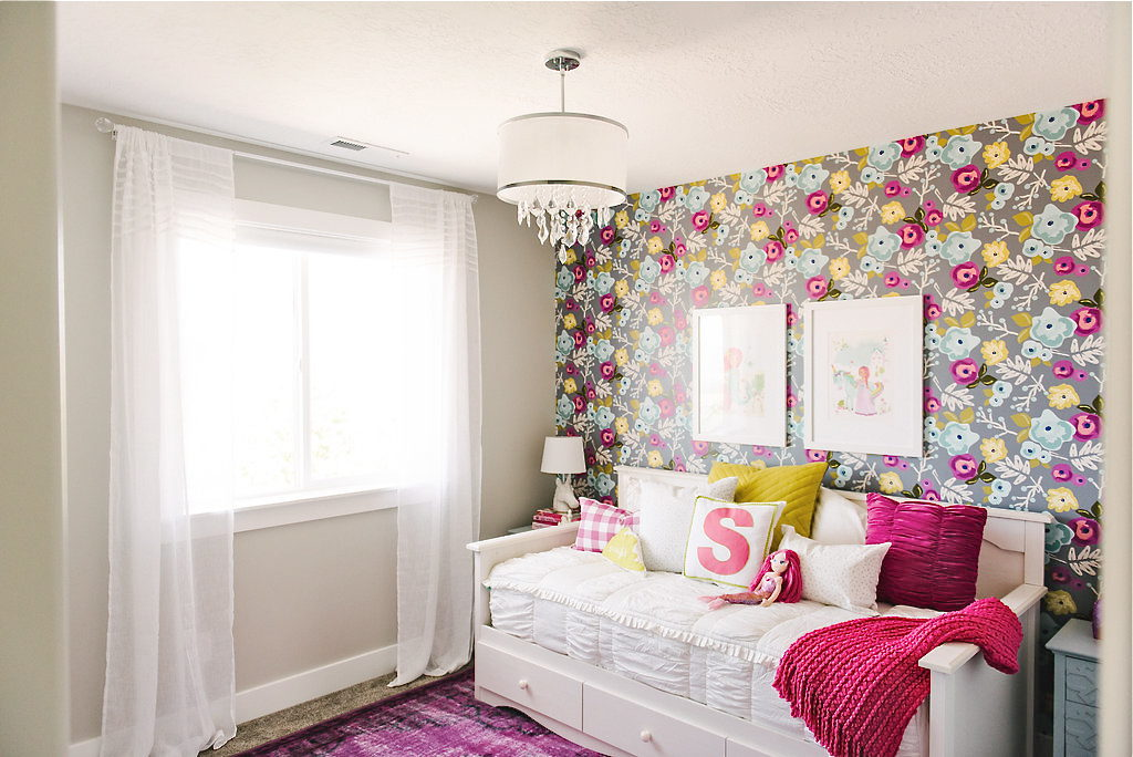 A Colorful & Unique Fairytale Girls Bedroom: Floral ...