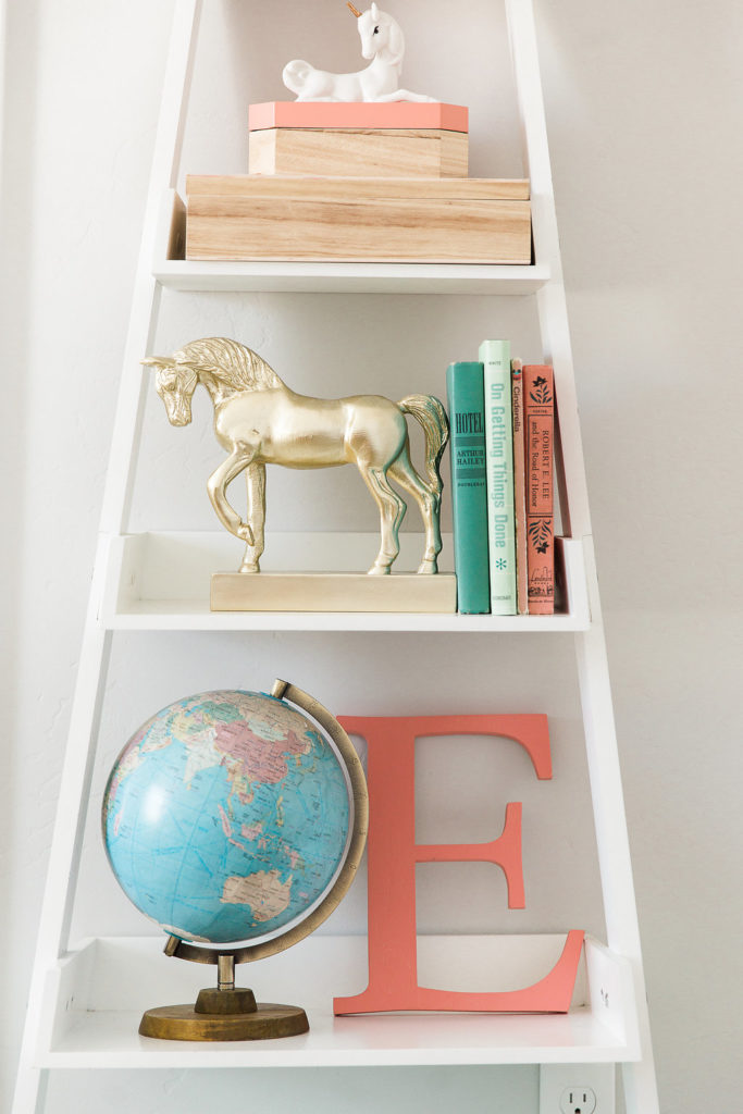 Cute ladder shelf and styling ideas for girls room