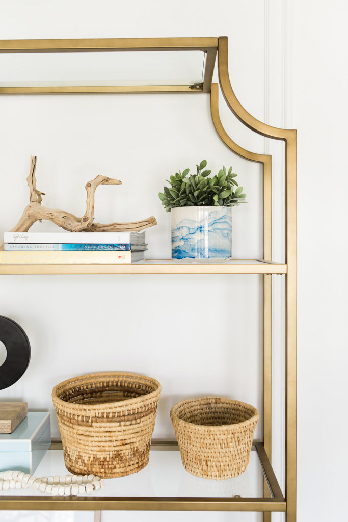 I adore this shelf set up from designer Mollie Openshaw of DesignLovesDetail.com