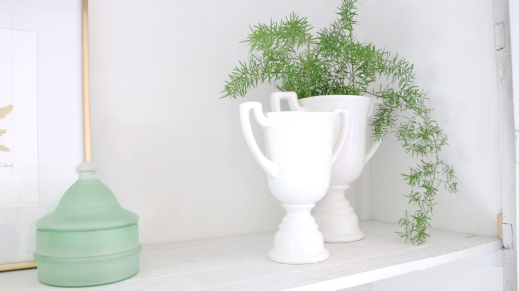 cute shelf styling tips from a designer!