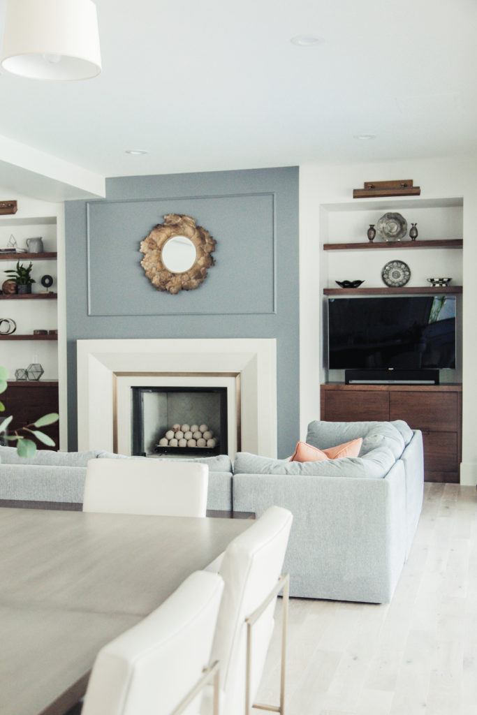 gorgeous and classy family room with modern feel