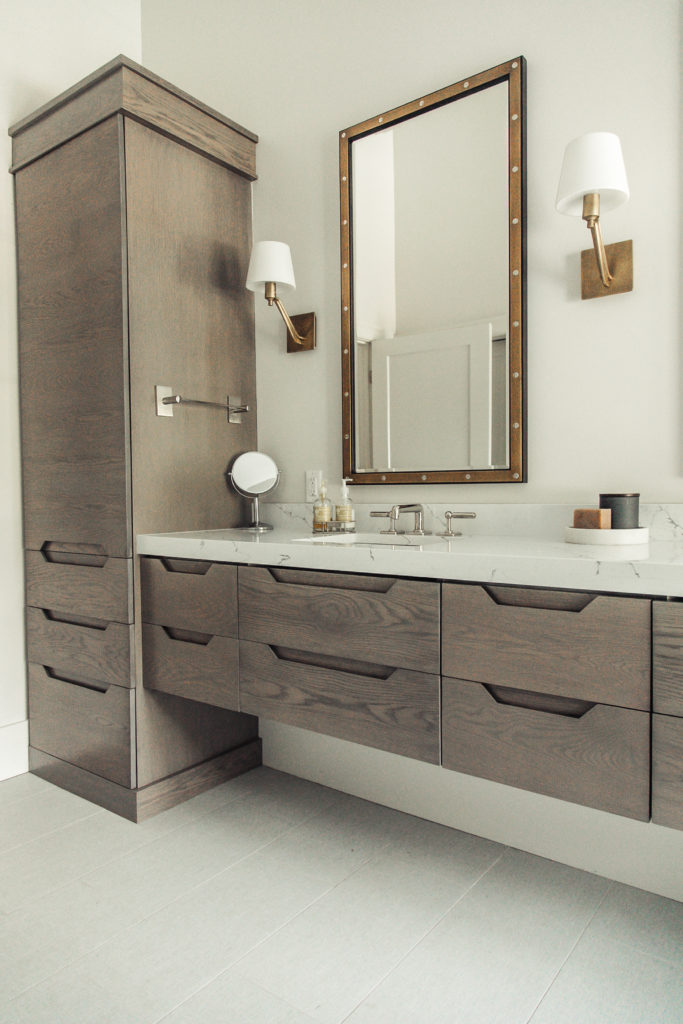 pretty master bathroom. check out the full home tour!