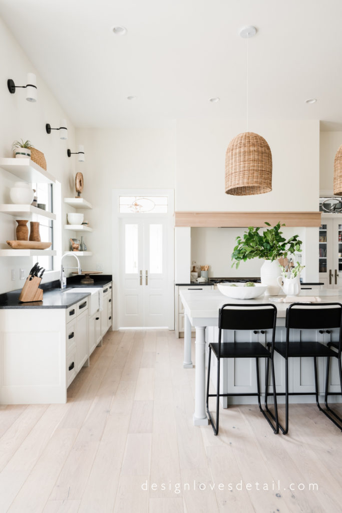 Full home tour on DesignLovesDetail.com. Don't miss it! Product links included to get this look!