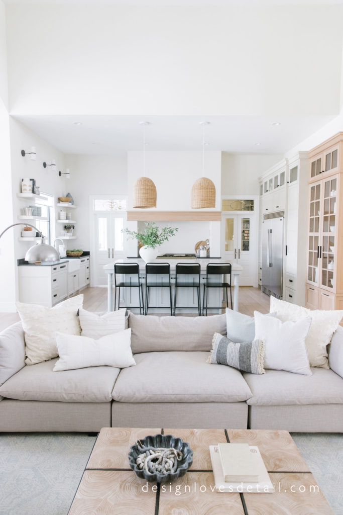 Spring Home Tour! Obsessed with this #europeanorganicmodern kitchen and living room by Mollie of DesignLovesDetail.com!! SO good